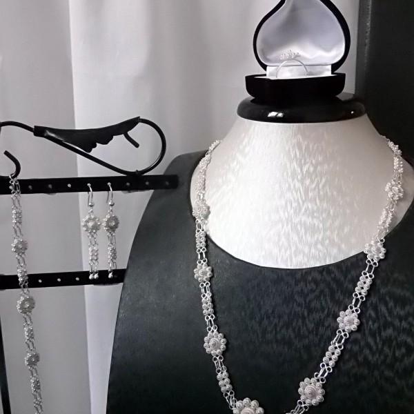 Aperçu des bijoux composant la parure Borobudur